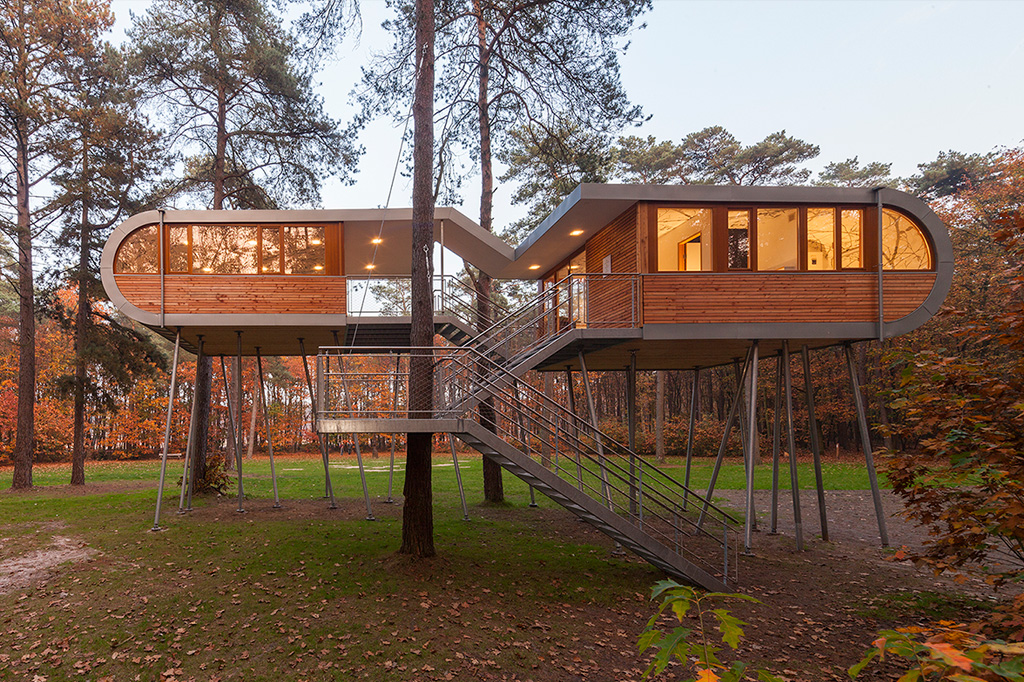 The Treehouse, Hechtel-Eksel, Belgium with Modul Q 36